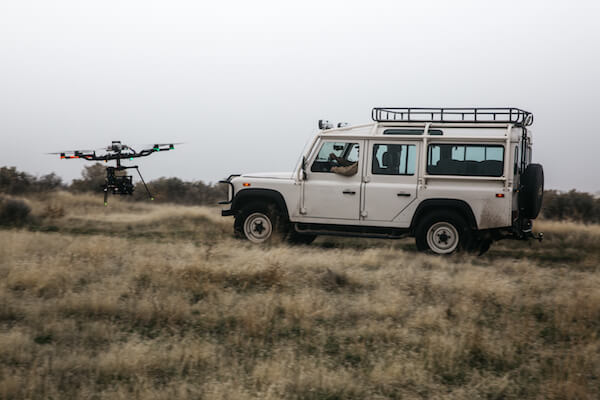 Motion-State-Alta-8-Drone-Land-Rover-Defender-Spec-Shoot