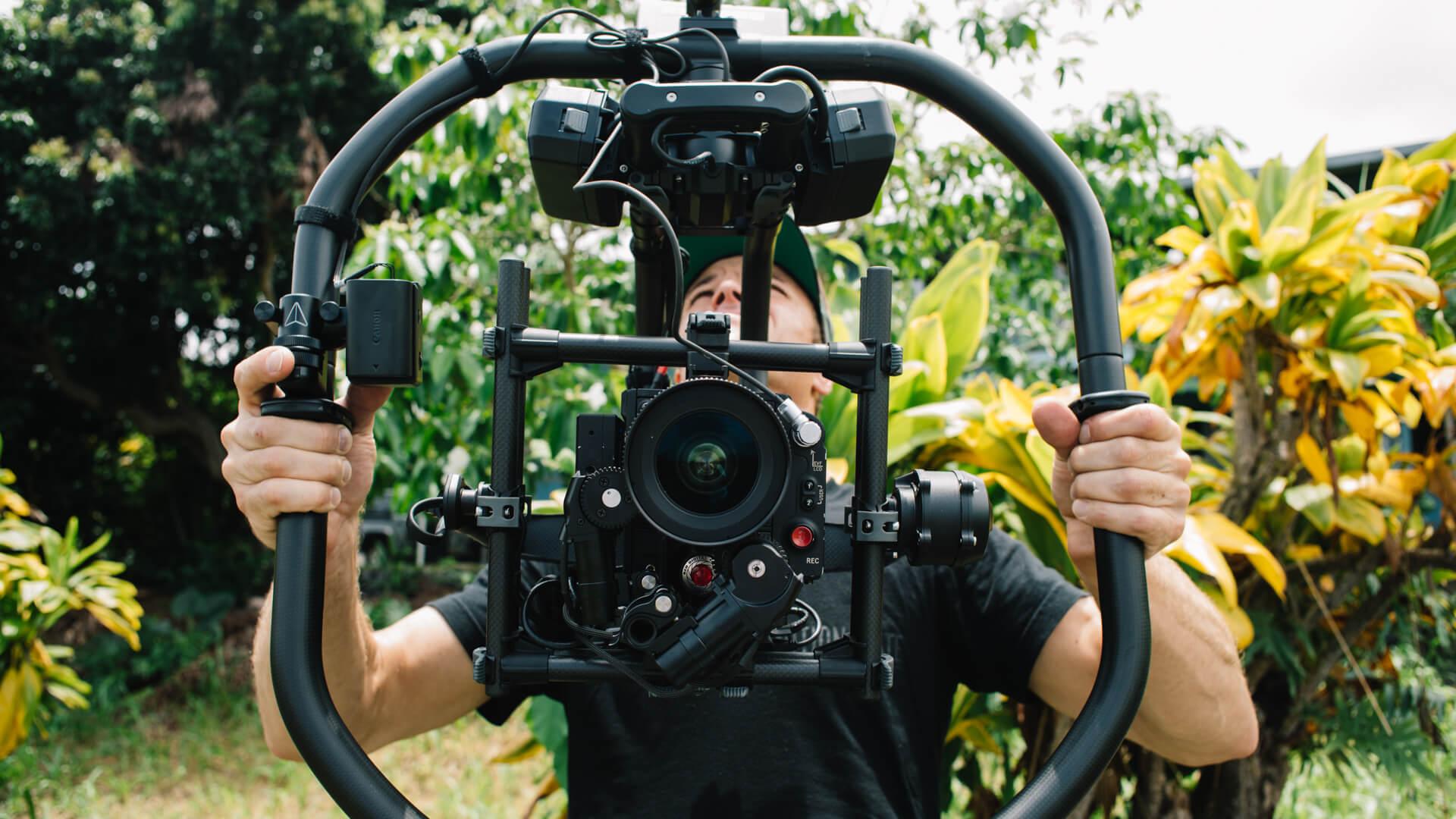 cinematographer-dp-sam-nuttmann-hawaii-ordinary-people-redrock-focus-finger-wheel